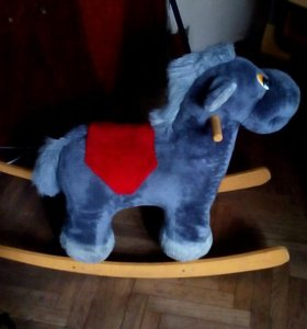 Детский стул, стол и лошадь качалка (все б-у)