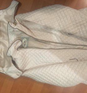 Куртка на девочку 140 см, внутри мех