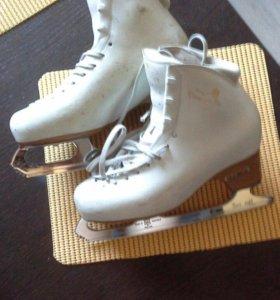 Профессиональные коньки для танцев на льду