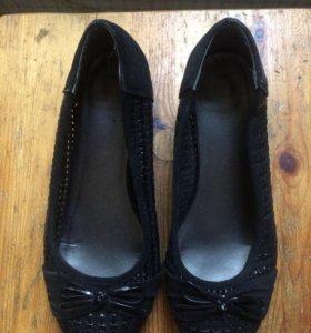 Туфли чёрные на каблуке