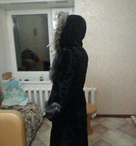 Шуба мутоновая женская.