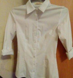 Продам белую блузку.