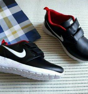 НОВЫЕ КРОСОВКИ Nike подростковые