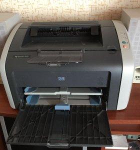 Продаю лазерный принтер hp LaserJet 1010.