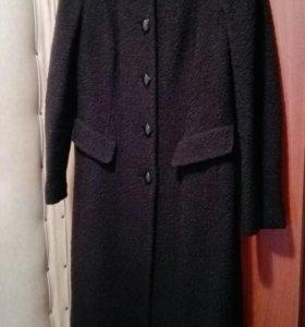 Пальто демисезонное букле 48р.