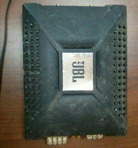 Автомобильный усилитель JBL P80.4