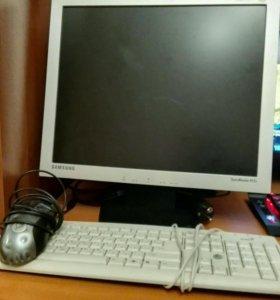 Монитор 75Гц, клавиатура и мышь.
