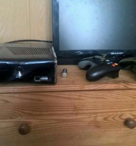 Xbox 360 + 2 джойстика, 18 игр