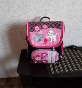 Школьный портфель новый