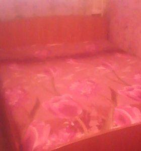 Продам 2-х спальную кровать.