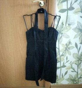 Платье с ремнем, размер xs