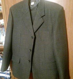 костюм тройка, размер 44