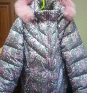 Куртка для девочки в отличном состоянии