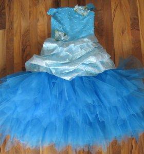 Прокат платьев и новогодних костюмов.