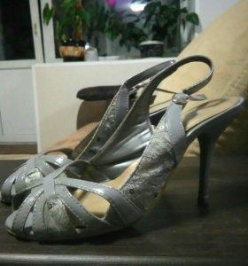 Босоножки и туфли