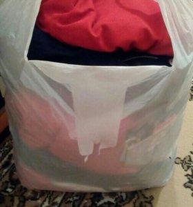 Отдам пакет с женскими ненужными вещами 40-42 разм