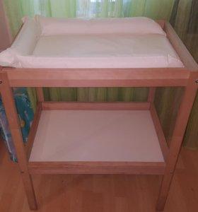 Кровать и пеленальный столик и другое