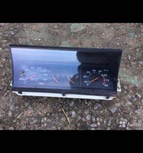 Запчасти от ВАЗ 2109 приборка инжекторная высокая