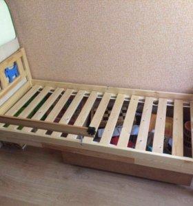 Кровать Икеа с матрасом,наматрасником и простынями