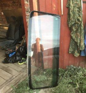 Продам лобовое стекло и заднее от ВАЗ 2107