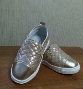 Туфли для девочки. Новые