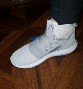 Продам кроссовки Адидас 37размер