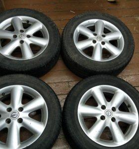 Летняя резина на R15 дисках Nissan