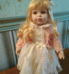 Коллекционная кукла фарфоровая