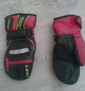 Горнолыжные рукавицы Leki