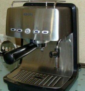 Помповая кофеварка эспрессо Krups XP4050