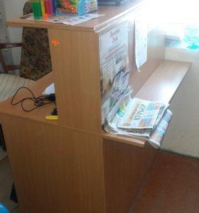 Стол для продавцов б-у