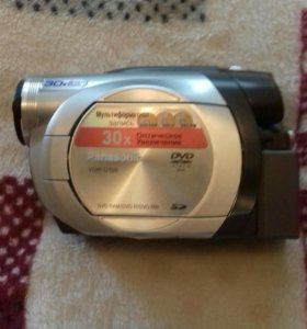 Видеокамера Panasonic (модель VDR-D150EE).