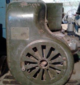УД-25 двухцилиндровый,четырехтактный двигатель