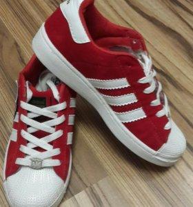 Продаются новые кроссы Adidas