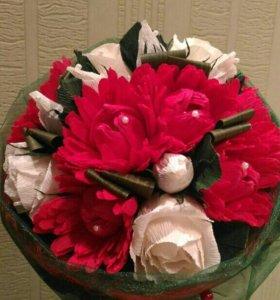Букет конфет, хризантемы с розами
