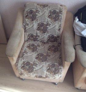 Продаю 2 кресла. 1000 - это за 2 кресла