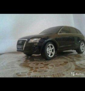 Автомобиль на радиоуправление Audi q5