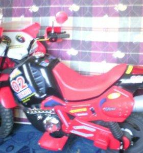 Детский  мотоцикл с зарядкой