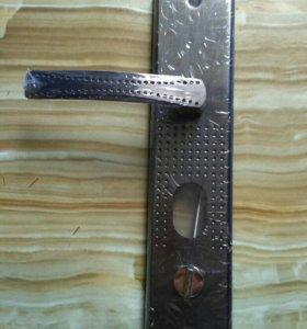 Дверная ручка с вертушкой