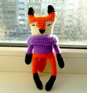 Лисенок в свитере