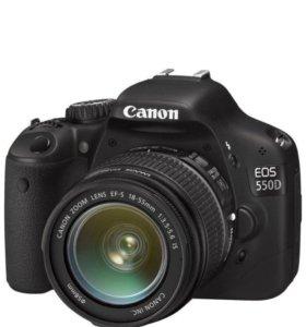 Зеркальный фотоаппарат Canon 550D -кит