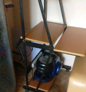 Стол компьютерный, передвижной.