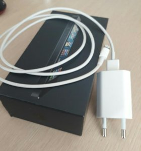Продам оригинальную зарядку iPhone