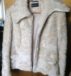Куртка из искуственного меха