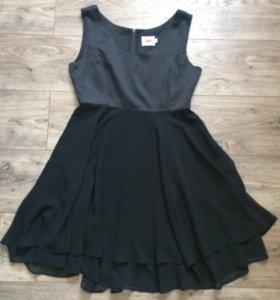 Чёрное платье с тюлевой юбкой