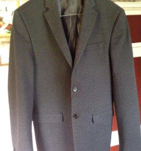 Пиджак 52 размер почти Новый