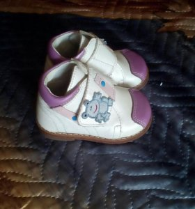 Ботиночки детские, размер 18.