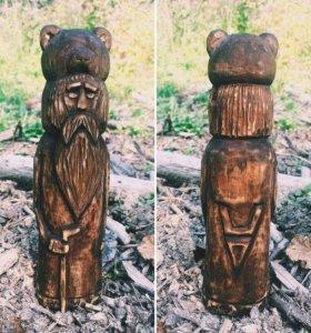 Велес из дерева.