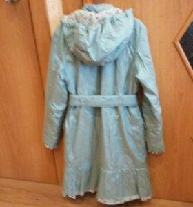 Пальто утепленное на девочку 140 см.