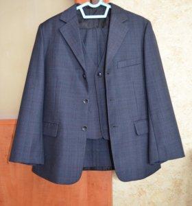 Костюм(пиджак+жилетка+брюки)